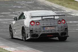 Nissan GT-R Nismo тестируют в Нюрбургринге