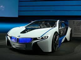 Надежный и стильный спорткар BMW i8