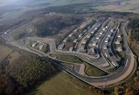 Уникальный автомобильный комплекс в Германии