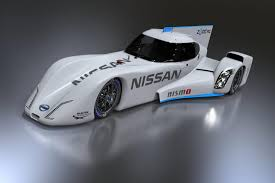 Nissan ZEOD RC 2014 года - гибридный спортивный автомобиль