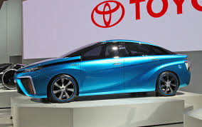 Toyota показала водородный автомобиль