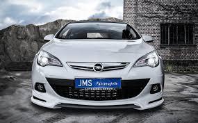 Opel Astra GTC обзавелся 200-сильным двигателем