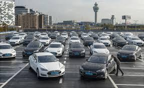 Daimler решил продать свою долю в компании Tesla