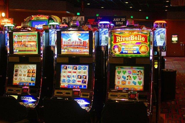 Лучший клуб для азарта - казино Три Топора