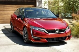 Honda показала водородный седан Clarity Fuel Cell 2020