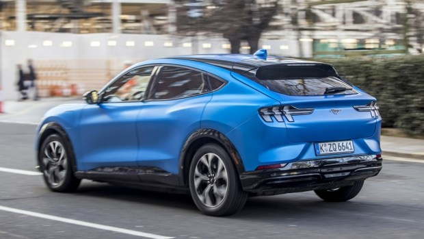 Ford раскрыл характеристики базового Mustang Mach-E